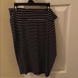 Maternity/postpartum skirt size small
